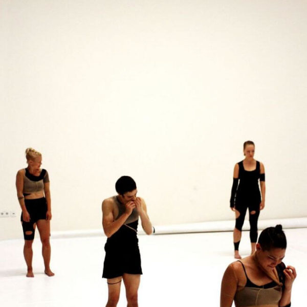 White Noise - Tanztheater-Performance der Nicole Wiese Company Pic6
