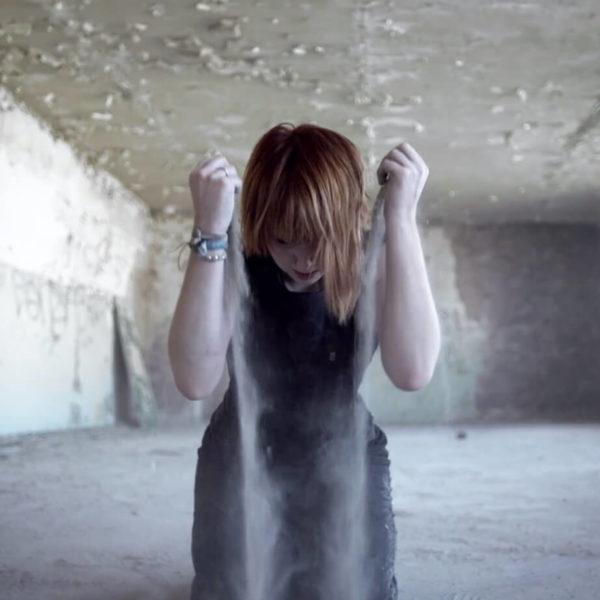 Jennifer Rostock - Performer Musikvideo Ein Schmerz und eine Kehle Pic5