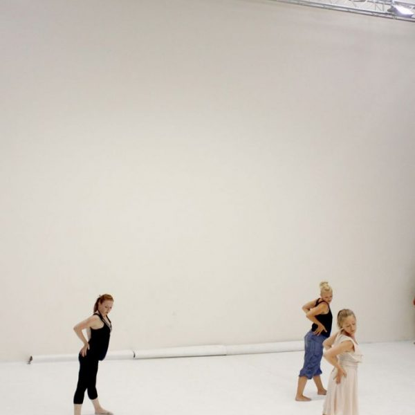 White Noise - Tanztheater-Performance der Nicole Wiese Company Pic27