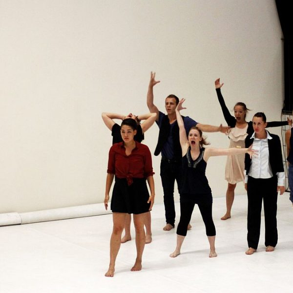 White Noise - Tanztheater-Performance der Nicole Wiese Company Pic29