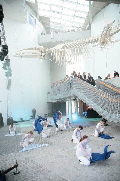 Ozeaneum Stralsund - Choreographie Eröffnung Pic2 - Foto Christian Roedel