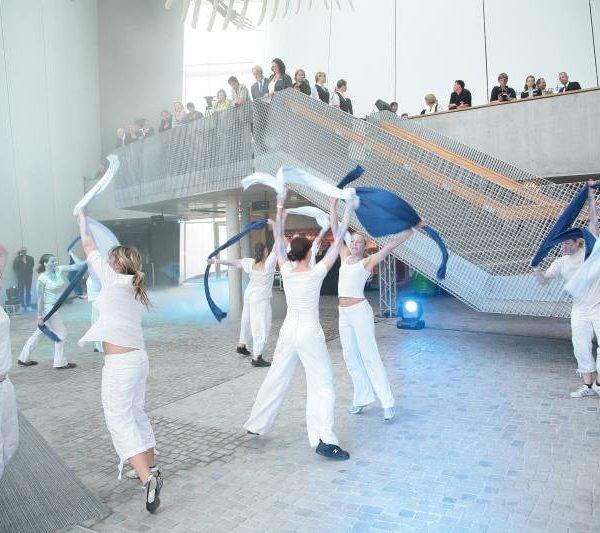 Ozeaneum Stralsund - Choreographie Eröffnung Pic3 - Foto Christian Roedel